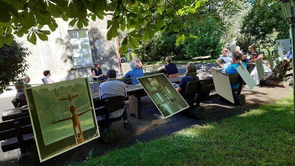 Bild:Seminar im Freien